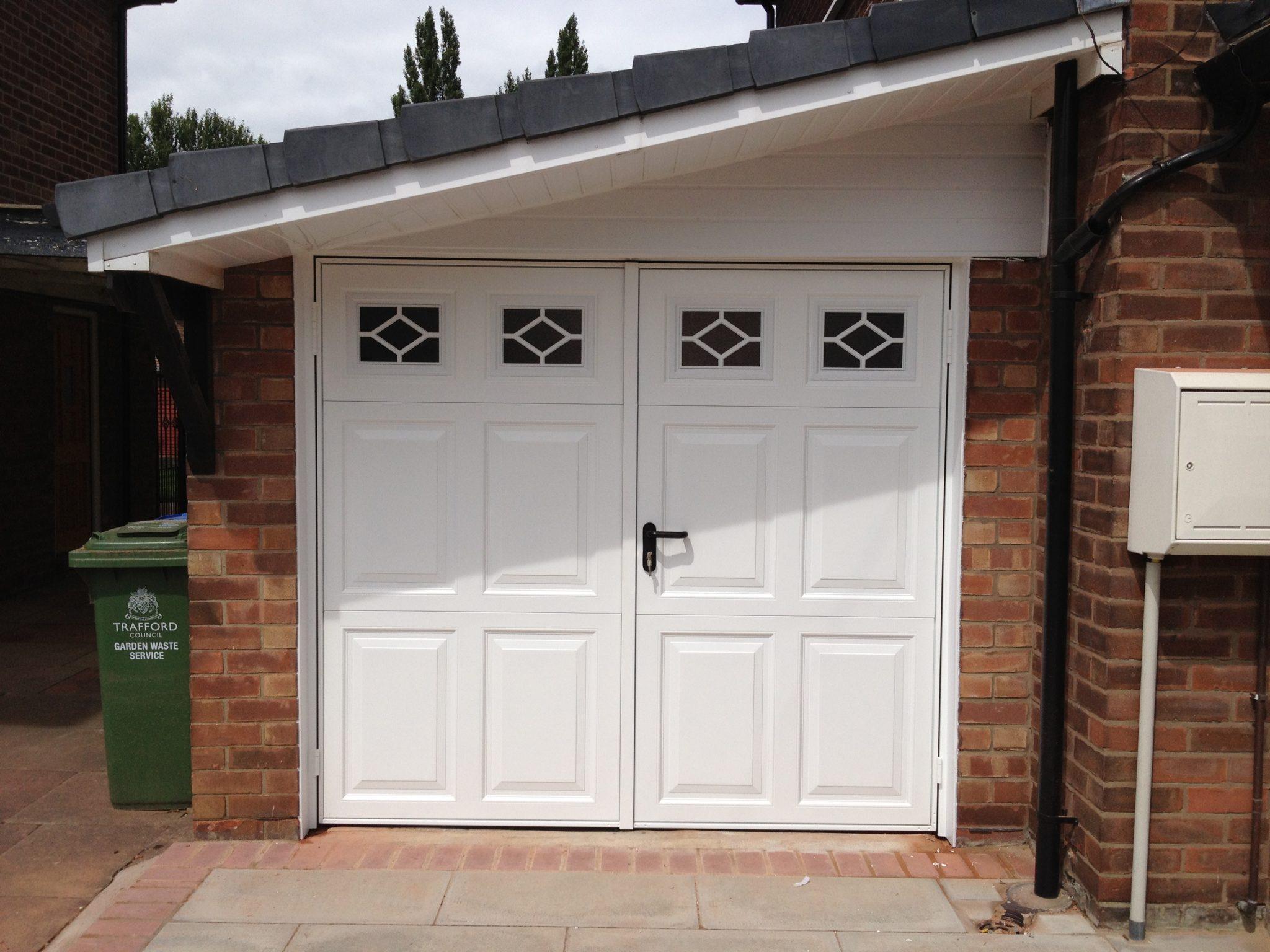 Garage Doors In Streford Repairs Installation
